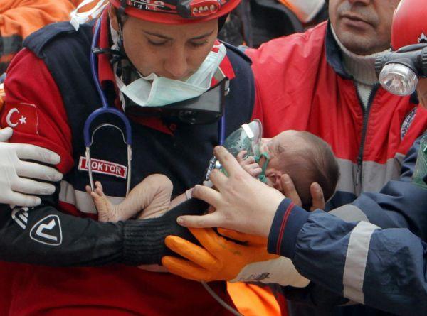 Terremoto Turchia, salvata una neonata di 15 giorni