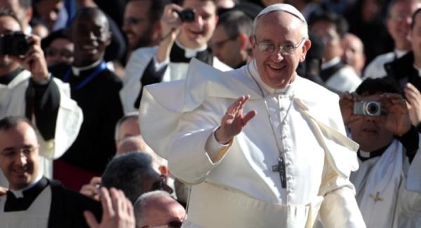 """Papa Francesco: """"Gli immigrati portano crescita e sviluppo"""""""