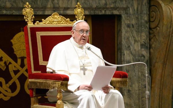 """Papa Francesco ai medici cattolici italiani: """"No a eutanasia e aborto"""""""