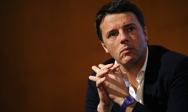 """Premier Matteo Renzi: """"Molto scottato dall'atteggiamento di Berlusconi"""""""