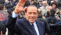 """Berlusconi a Saronno: """"Bisogna restituire tutto ai pensionati"""""""