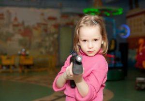 Armi giocattolo... Dove e quando porsi limiti?