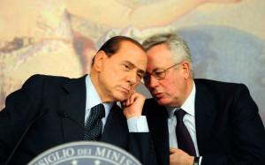 Giulio Tremonti a Berlusconi: Se resti ci sarà un disastro sui mercati