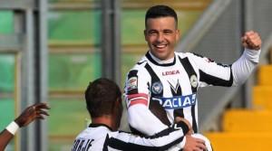 Udinese, vince 2-1 con il Chievo e balza al primo posto della Serie A