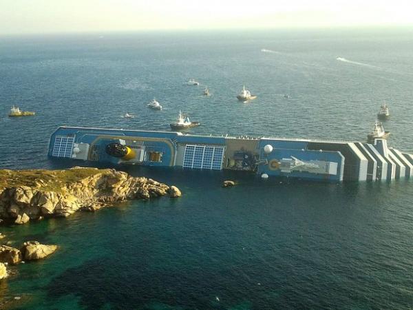 costa-concordia-foto-costa-isola-giglio