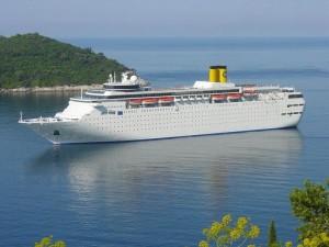 Costa Allegra: incendio sulla nave, finisce alla deriva delle Seychelles