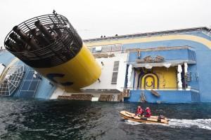 Costa Concordia: trovati otto corpi, uno è della piccola Dayana