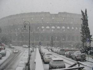 Maltempo Italia: neve su Roma, chiusi gli edifici pubblici