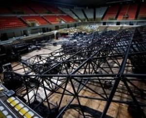 Concerto Laura Pausini Reggio Calabria: crolla il palco, muore un operaio