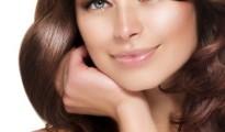 Donna: capelli, ecco i rimedi naturali per la loro bellezza