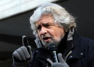 """Beppe Grillo: """"Gli extracomunitari siamo noi"""""""