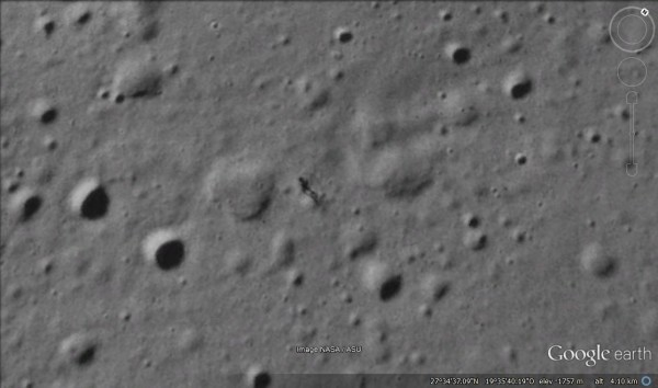 Google Moon: Alieni avvistati, ma la Nasa smentisce [foto e video]