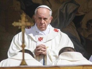 """Iraq, Papa Francesco: """"La violenza non si sconfigge con altra violenza"""""""