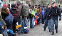 Immigrati, proposta shock del governo: 30€ al giorno per chi accoglie un profugo