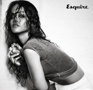"""Rihanna ci riprova: ancora scatti """"hot"""" su Instagram"""