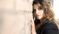 Deborah Iurato, un nuovo singolo in regalo per la festa della donna