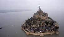 "La ""marea del secolo"" colpisce Mont Saint-Michel (foto/video)"