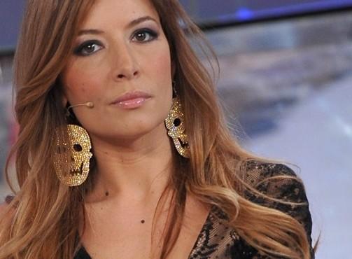 "Candidato a sindaco Lega scrive a Selvaggia Lucarelli: ""Zitta..."""