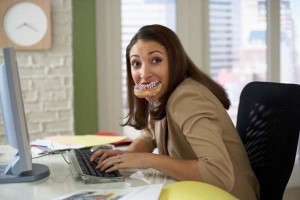 Stress da lavoro, secondo uno studio causa sovrappeso: prima causa dei chili in eccesso