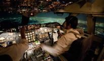 Attacchi laser ai piloti di aereo in aumento, a Londra atterraggio di emergenza