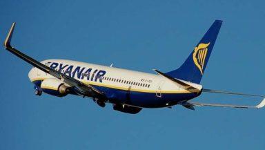 Paura sul volo Ryanair, aereo rientra a Malpensa per una perdita di carburante